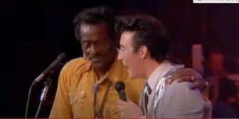 Chuck Berry & Julian Lennon – Johnny B Goode (1986)